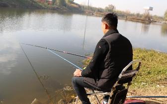 上睑|可怕!广东男子钓个鱼 三个鱼钩扎进左眼上睑