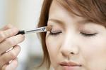 化妆让女性更具魅力 眼影比口红更有效