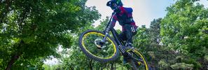 自行车速降 约战一场自然竞赛