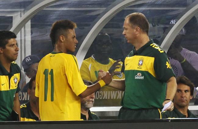 鲁能旧帅力挺巴西9号:他世界杯踢得差?内马尔的错