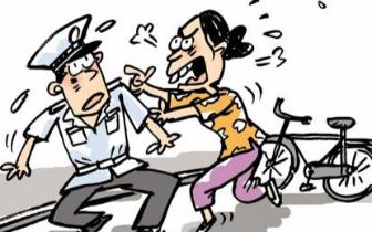 福州警方依法处置一起妨害公务案 涉事人被刑事拘留