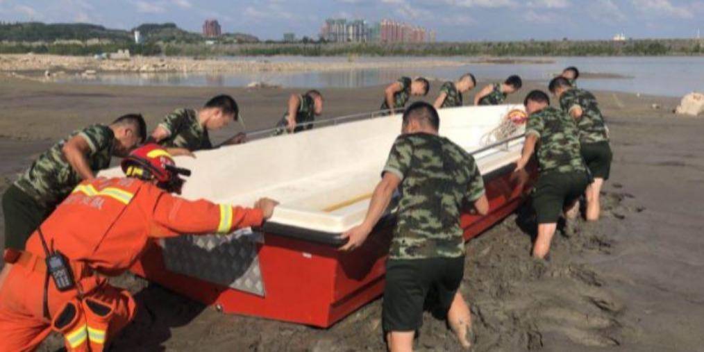 遂宁网红沙滩过军渡发生翻船事件,2人自救成功1人失踪