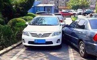 停车为什么要车头朝外?不开玩笑关键时刻能救命