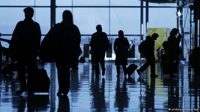 西班牙破获跨国贩卖人口案 抓捕7名嫌疑人