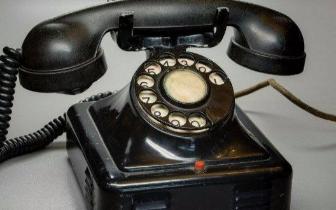 为什么电话机上123在上面 计算器上789在上面?