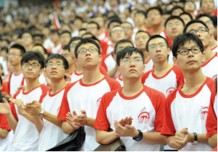 拯救快瞎的眼!60年前中国10%近视率 如今飙升90%