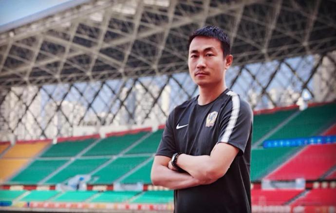王新欣正式任贵州领队 俱乐部:望率队实现保级目标