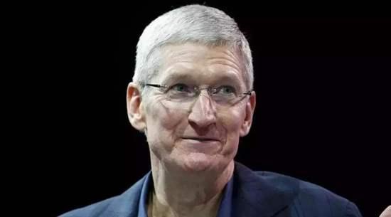 特朗普称周五与苹果CEO库克共进晚餐
