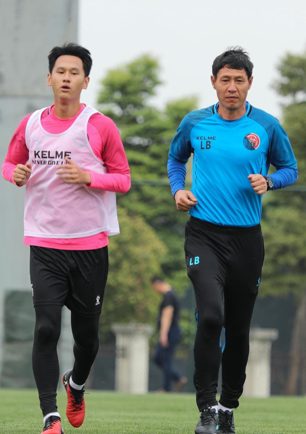 15连胜创纪录!中国足球先生在中乙恒大练级,去年被外援殴打后下课