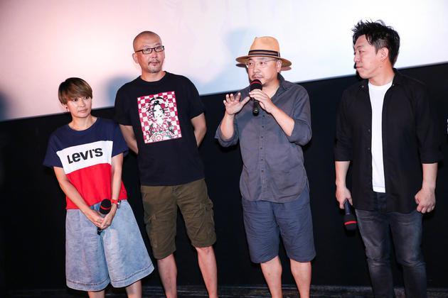 8月5日,《一出好戏》点映场,徐峥与梁静发言透露黄渤早在09、10年便开始构思该片