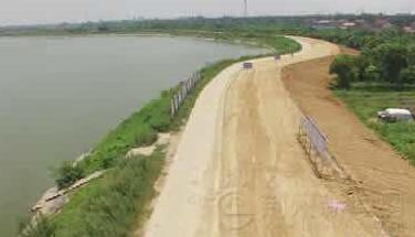 长湖|长湖堤防加固工程进展顺利 正进行背水面堤防加固