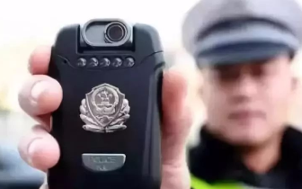 提醒!用手机拍警察执法后果可能很严重!