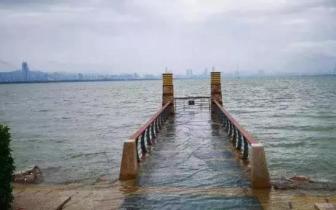 别被阳光骗了!台风徘徊粤西沿海 深圳明后天暴雨