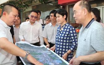 区长李建华到长堽村、二塘社区调研棚户区改造情况
