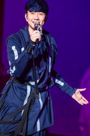 十五年来首度无锡开唱 JJ好运11选5玩法现场大秀无锡话