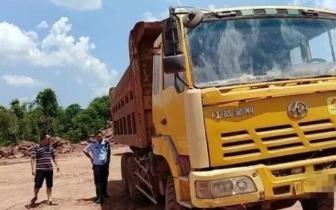 南充:大货车与电瓶车发生交通事故后逃逸,搭乘人员当场死亡……