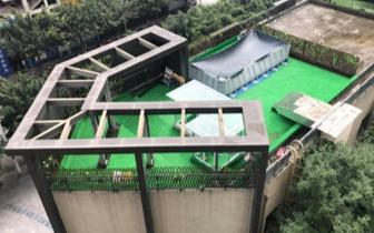 宠物店楼顶建游泳池被要求整改 商户仍