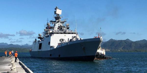 解放军刚走印度就派新锐战舰到斐济