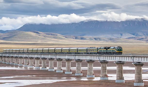 重返8000亿 铁路投资青睐中西部