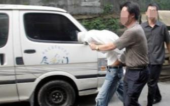 防城港警方24小时连破两起特大贩毒案!