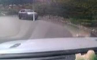 警方确认2人身亡!成都女游客自驾甘孜不幸坠入江中