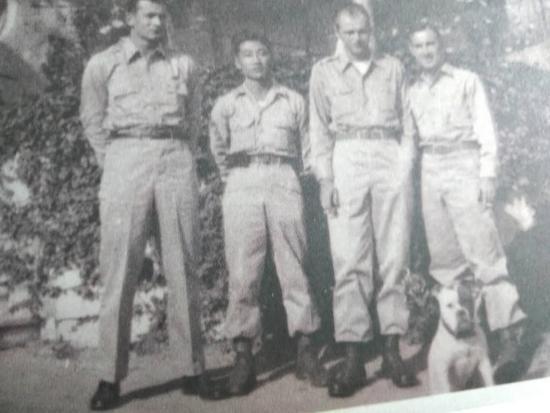 左一:情报员摩尔,左二:日语翻译纳卡奇,左三:队长司泰格,左四:军医汉斯拉克
