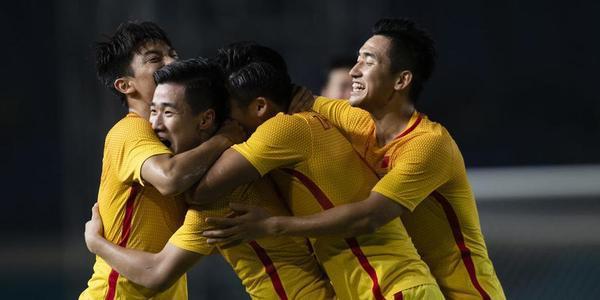 韦世豪传射张玉宁破门 U23国足3-0叙利亚出线