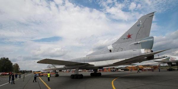 俄最新升级图22M3M轰炸机正式下线