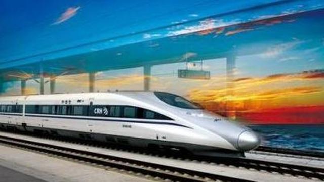 台风影响 8月17日长沙南站20余趟列车调整或停运