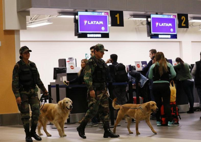 """智利男子因行李被弄丢""""报假警""""泄愤 致多航班迫降"""