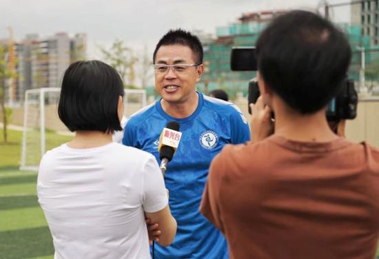 快乐足球侨乡行 广东足球名宿新兴授课推广足球
