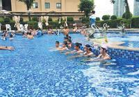 """三亚中小学生""""游泳暑假作业""""不与升学挂钩"""