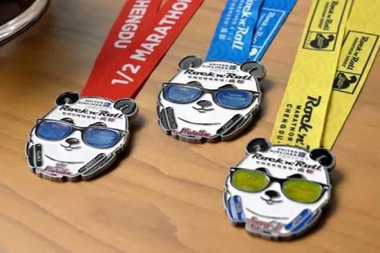 成都摇滚马奖牌和赛服发布:和川剧一起摇滚