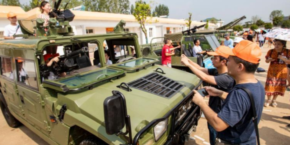 首次全国性的军营开放活动在武汉举行