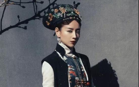 董洁饰富察皇后 /《如懿传》