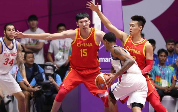 男篮82-80菲律宾 周琦狂砍25+12