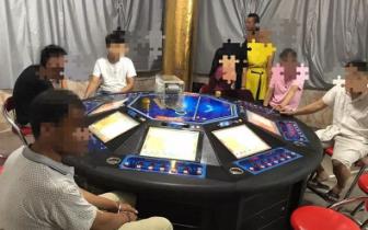 扫黄打赌:钦南警方端掉两个赌博窝点 抓15人