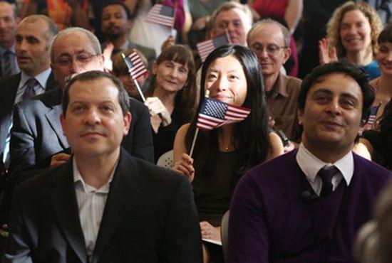 """美国移民:赴美留学生八成""""裸归"""",留美怎么那么难?"""