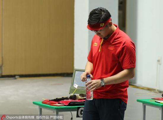 亚运男子10米气手枪印度选手逆转夺金 吴嘉宇第4