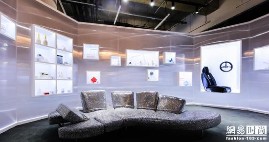 腾讯分分彩计划带单群,施华洛世奇 INFINITE BRILLIANCE璀璨无限快闪展览