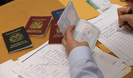 移民法执行严格雇主不愿办H-1B 留学生美国梦难圆