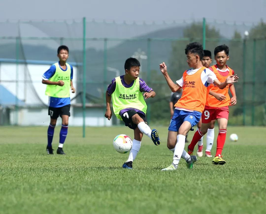 足球俱乐部青训u15_重庆世康青训足球俱乐部