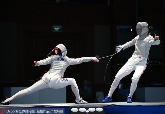 女子佩剑团体赛中国憾负摘银 韩国队强势夺冠