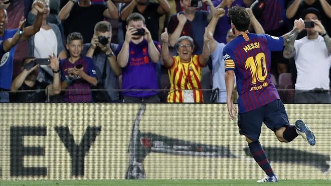 巴萨喉舌:梅西从第一次穿鞋就是历史最佳 C罗咋比?