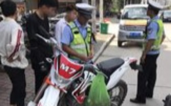 防城严查摩托车、电动车违法行为 两天查处143起