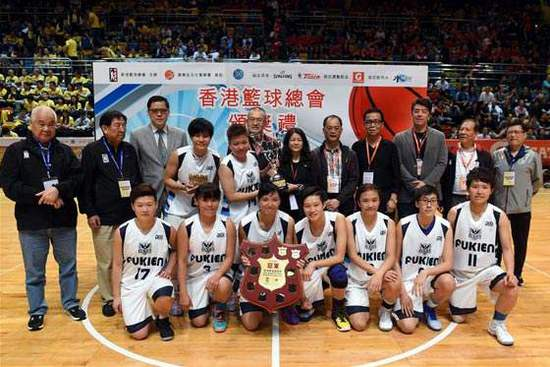 卓婷(后排左4)