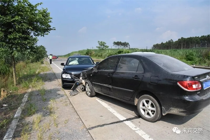 """司机""""疯狂""""撞两车才惊醒,开车可不能""""瞎""""开!"""