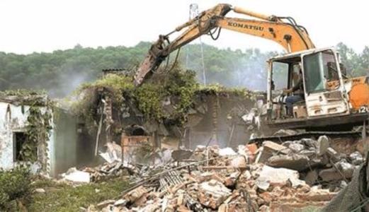 唐山地区拆除违法建筑22处 无名院墙2865延长米