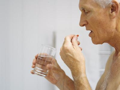 关乎健康问题 老年人用药需谨慎!