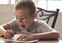 开学进入倒计时 孩子的暑假作业做完了吗?